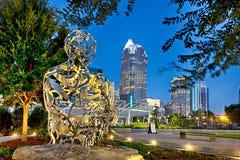 Amanhecer de North Carolina da skyline da cidade de Charlotte fotos de stock royalty free