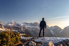 Amanhecer em cumes de Kamnik Savinja (Eslovênia) fotos de stock royalty free