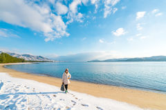 Amanohashidate沙洲海滩在冬天早晨 库存图片