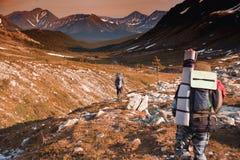 Amant des montagnes tramp Le voyageur Le paysage des Monts Oural Paysage de la Russie Photographie stock