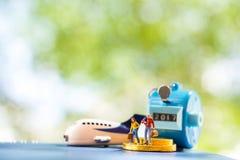 Amant miniature de personnes sur le voyage Photographie stock libre de droits
