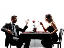 Amantes de los pares que fechan la discusión del conflicto de la cena Fotos de archivo libres de regalías