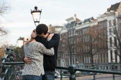 Amantes en Amsterdam foto de archivo libre de regalías