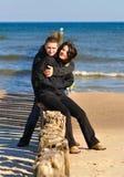 Amantes en el mar Fotos de archivo libres de regalías