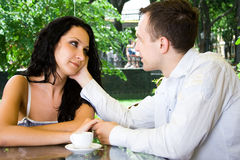 Amantes en el restaurante Foto de archivo libre de regalías