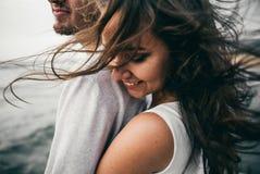 Amantes felizes foto de stock