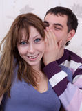 Amantes novos no quarto Foto de Stock