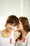 Amantes que têm segredos fotografia de stock royalty free
