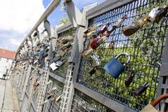 Amanti del ponte Bydgoszcz - in Polonia Immagine Stock