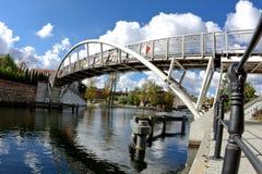 Amanti del ponte - fiume di Brda Bydgoszcz - in Polonia immagine stock