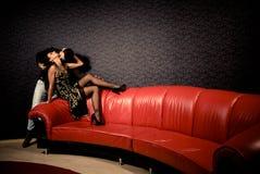 Amanti sexy nella sala Fotografia Stock Libera da Diritti