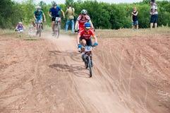 Amants de cyclistes de concurrence photos stock