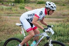 Amants de cyclistes de concurrence images libres de droits