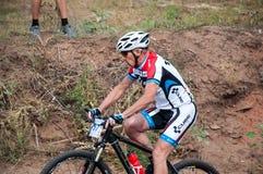 Amants de cyclistes de concurrence image stock