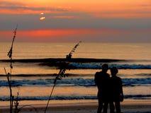 Amants de lever de soleil Image libre de droits