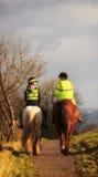 Amants de police sur le cheval Image libre de droits