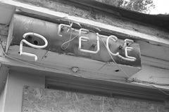 Łamany biurowy neonowy znak Obrazy Stock