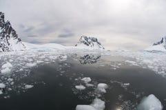 Łamany lód Zdjęcia Stock