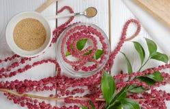Amarant na stołowym jedzeniu, zdjęcia stock