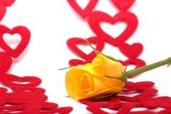 Amarelo cor-de-rosa e corações Imagens de Stock Royalty Free