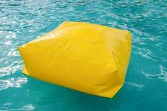 Amarelo de borracha do airbag da caixa na associação Imagem de Stock