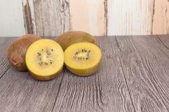 Amarelo ou frutos de quivi do ouro Imagem de Stock