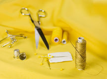 Amarelo Sewing Fotos de Stock Royalty Free
