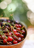 Amarena fresca in ciotola asiatica Fotografia Stock