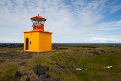 Amarillee el faro en Islandia Foto de archivo