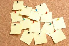 Amarillee las notas de post-it Foto de archivo libre de regalías