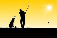 Amarillo de Golftrolley+golfer Fotos de archivo libres de regalías