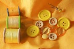 Amarillo de los artículos de la mercería Fotografía de archivo libre de regalías