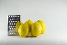 Amarillo natural orgánico healty de la fruta fresca del limón Imágenes de archivo libres de regalías