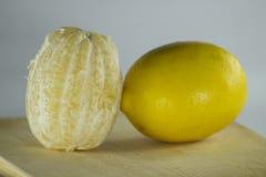 Amarillo natural orgánico healty de la fruta fresca del limón Imagen de archivo