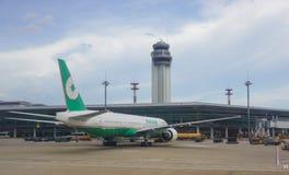 Amarrage d'avion d'EVA à l'aéroport de Tan Son Nhat dans Saigon, Vietnam Photo libre de droits