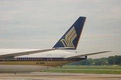 Amarrage d'avion de Singapore Airlines à l'aéroport à Yangon, Myanmar Images libres de droits