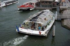 Amarrage de bateau de croisière Photo libre de droits