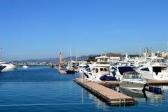 Amarrage pour des bateaux images libres de droits