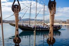 Amarrages corde, poulie de bateau de corde photographie stock
