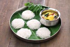 Amarre funis com caril do ovo, culinária indiana sul fotografia de stock