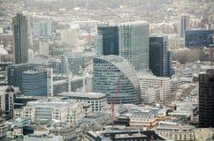 Amarre la casa y la ciudad de Londres Foto de archivo libre de regalías