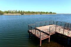 Amarrez à quai sur Don River près du village de Romanovskaya, région de Rostov image libre de droits