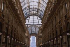 Amasing szczegóły wśrodku Galleria Vittorio Emanuele II, jeden światu s starzy centra handlowe w Europa fotografia stock