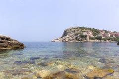 Amasra ? um recurso pequeno e encantador na costa do Mar Negro de Turquia imagem de stock