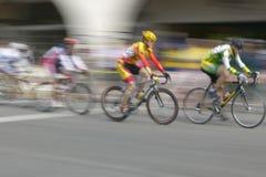 Amatörmässiga mancyklister Arkivfoto