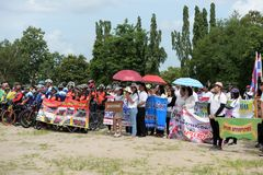 Amateur athletes from different groups in Pluak Daeng participated in the activity. Health promotion And to resist the drug of people in Pluakdaeng district royalty free stock photos