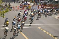 Amateurmann-Radfahrer, die in der nationalen Rennstrecke Garrett Lemire Memorial Grand Prixs (NRC) konkurrieren am 10. April 2005 Stockfotografie