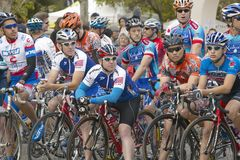 Amateurmann-Radfahrer, die in der nationalen Rennstrecke Garrett Lemire Memorial Grand Prixs (NRC) konkurrieren am 10. April 2005 Lizenzfreies Stockfoto