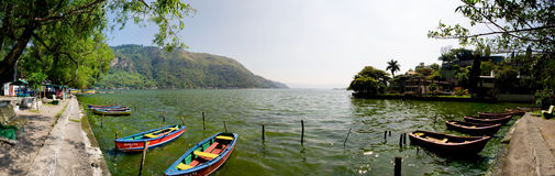 amatitlan小船湖 免版税库存图片