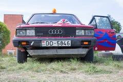 Amatora wiec, droga gruntowa, samochód z jeźdzem Latvia 2018 fotografia royalty free